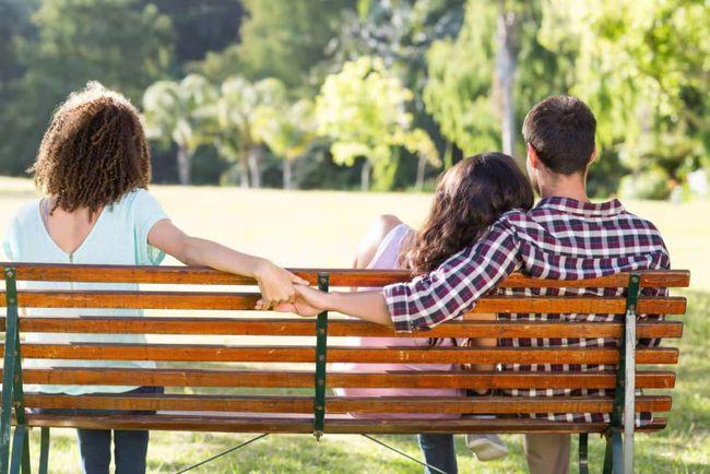分居两年老婆会出轨吗_分居的出轨_分居女人出轨的表现
